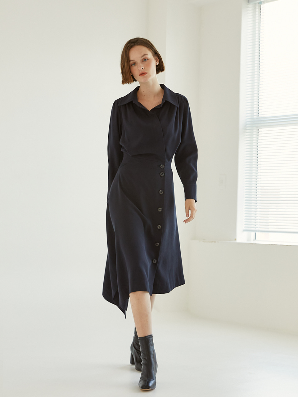 Lumiere Unbalance Dress [Navy]