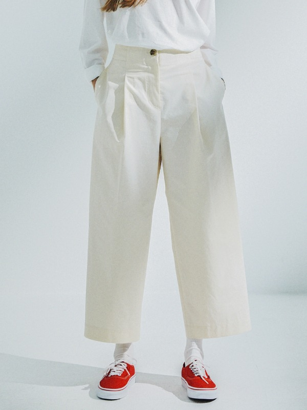 Pleated Wide Pants [Cream]